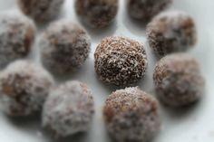 boules de protéine aux graines de chia et a la noix de coco