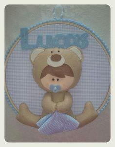 Porta de Maternidade Bebê Urso.  Gostou? Encomende o seu em: www.facebook.com/cathcraft1