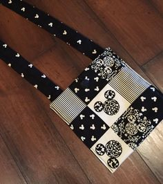 I made these simple cross-body bags for all the ladies on my FE list. They were even reversible!