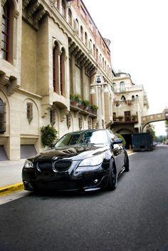 love murdered bmw 5 series, especially e60's got to be my ideal car.