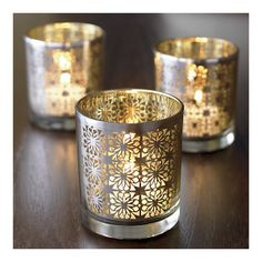 Normally I like silver at Christmastime, but these gold votives are just so pretty!