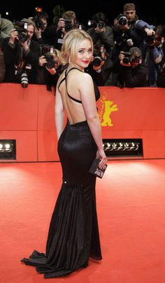 Hayden Panettiere on the red carpet in a backers black gown Hayden Panettiere, Girl Celebrities, Celebs, Blonde Actresses, Facon, Stylish Outfits, Stylish Clothes, Celebrity Style, Celebrity Women