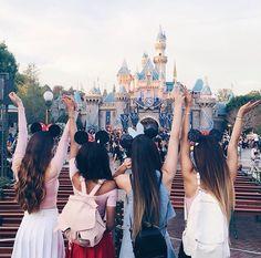 Meredith , teala , Sierra and Eva at Disneyland xx
