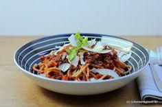 Schöner Tag noch! Food-Blog mit leckeren Rezepten für jeden Tag: Spaghetti Bolognese - je länger gekocht, desto besser!