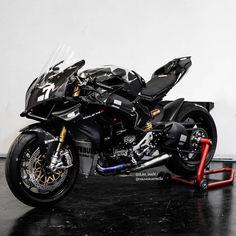 Ducati Panigale R. - Ducati Panigale R. Ducati Motorbike, Ducati Superbike, Moto Ducati, Yamaha Bikes, Yamaha R6, Honda Cb750, Moto Bike, Cool Motorcycles, Moto Guzzi