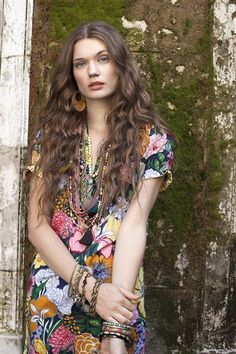 boho hair and style 3 Hippie Style, Bohemian Style, Bohemian Fashion, Bohemian Summer, Boho Gypsy, Hippie Boho, Colorful Fashion, Love Fashion, Fashion Edgy