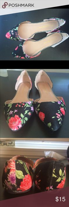 Modcloth floral flats. Brand wild diva. These beauties run big and so I would recommend someone who wears a 8 (I am a 7.5 and these run just a tad too big). I wore only once before accepting that they are better for someone with a half size bigger feet. Size listed is 7, but even reviews at time said these run big. There is slight wear in the back heel as seen in pic. ModCloth Shoes Flats & Loafers