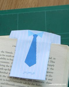 FREE printable shirt bookmarks