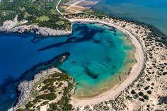35 Best Beaches in Greece and the Greek Islands Mykonos, Santorini, Beach Scene Wallpaper, Best Greek Islands, Famous Beaches, Sea To Shining Sea, Greece Vacation, Crystal Clear Water, Beach Scenes