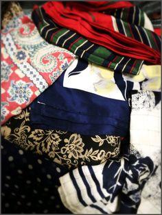 ★上下グレーベースにマルチカラーを少々&レトロなスカーフが使える話。 DORILOGーー今日のおしゃれ、明日のデザイン。