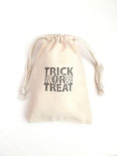 10 Trick or Treat Favor Bags - Halloween Favor Bags - Halloween Party Treat Bags - Halloween Gift Bags - Halloween Candy Bags - Treat Bags by FlowsFavors on Etsy https://www.etsy.com/listing/458334090/10-trick-or-treat-favor-bags-halloween