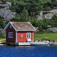 Sjøbu på Sørlandet#sjøbu #sjøbuer #nrksørlandet #nrksommer #peace #wonderlust #wood #fishermanscabin #fishermanscove #red #sea #fishing #fisherboat #fiske #norway #norwegen #nofilter #visitnorway #visitsørlandet #fædrelandsvennen #agderposten #lillesandposten #lillesand #kristiansandavis #photo #photographer #wonderlust #sea #water #water_captures