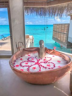 Flower bath at Fairmont Maldives PC - Bobby Bense Vacation Places, Dream Vacations, Vacation Spots, Places To Travel, Best Honeymoon Destinations, Beste Hotels, Tropical Vibes, Beautiful Bathrooms, Luxury Travel