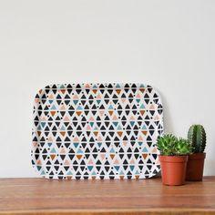 Idée à retenir : jolis plateaux pour les clients + mini cactus à déposer sur des étagères en déco