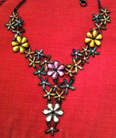 Collier-ras-du-cou-floral-marque-BELLE-MISS-en-pierres-multicolores-strass-Neuf