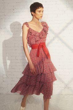 Marissa Webb Resort 2019 Fashion Show Collection: See the complete Marissa Webb Resort 2019 collection. Look 13 Fashion 101, Fashion Over 50, Fashion Advice, Couture Fashion, Latest Fashion Trends, Runway Fashion, Fashion Looks, Fashion Outfits, Womens Fashion