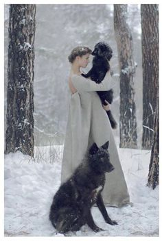 30 Surreal Photos featuring Women and animal Katerina Plotnikova has the ability to bring the power of the strongest animals together with the softness of these women to create these amazing images. Foto Fantasy, Fantasy Magic, Fantasy World, Fantasy Art, Fantasy Photography, Fashion Photography, Photography Women, Fairy Tale Photography, Photography Sketchbook