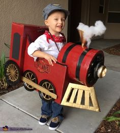Conductor and Vintage Train Costume - Halloween Costume Contest Halloween Train, Holidays Halloween, Halloween Kids, Vintage Halloween, Halloween Images, Halloween Stuff, Halloween Halloween, Halloween Makeup, Halloween Costume Contest