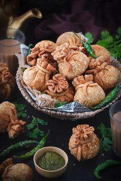 The best veg potli samosa recipe step by step. These crisp vegetable potli samosa aka money bags has Samosas, Vegetable Samosa, Beignets, Chaat Recipe, Indian Food Recipes, Indian Vegetable Recipes, Paneer Recipes, African Recipes, Snack Recipes
