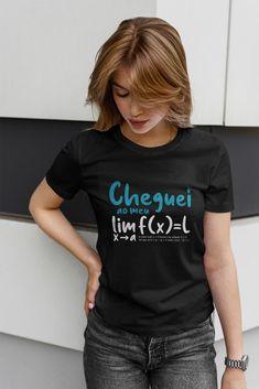 Qual o seu limite? #humoremcamisetas #matematica 90s Shirts, Cute Shirts, Ugly To Pretty, How To Look Pretty, Fleetwood Mac Shirt, Bleu Pastel, Hippie Shirt, Vegan Clothing, Tie Dye Outfits
