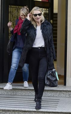 Kate Moss takes care of business in London | Kate Moss Universe