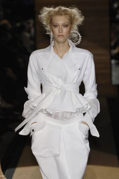 Gianfranco Ferré Spring 2006 - beautiful white shirt