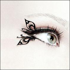 つけまつげの領域をはるかに超えたインパクトをもたらす「Eyelashes」 - GIGAZINE