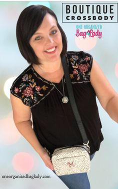 Grab your Boutique Crossbody for day trips when you dont want to carry your huge bag. #oneorganizedbaglady #thirtyonegifts #daytrip #pursesandbags
