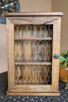 Spice, Medicine, Essential Oils or Trinkets Wall Cabinet made from Rustic Reclaimed & Repurposed Pallet Wood Woodworking Furniture, Pallet Furniture, Furniture Projects, Rustic Furniture, Woodworking Plans, Woodworking Projects, Pallet Couch, Workbench Plans, Pallet Cushions