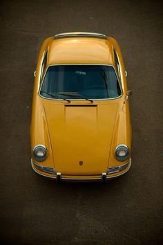 Orange Porsche 912