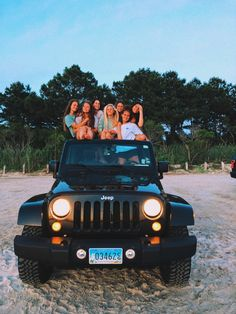 VSCO - Sophiahartman - Jeep Girls - You are in the right place about cars dvr Here we offer you the most beautiful p Photos Bff, Best Friend Photos, Best Friend Goals, Friend Pics, Jeep Photos, Bff Pics, Dream Cars, My Dream Car, Dream Life