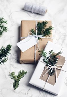 Christmas Gift Baskets, Homemade Christmas Gifts, Christmas Gift Wrapping, Christmas Presents, Holiday Gifts, Wrapping Gifts, Simple Gift Wrapping Ideas, Brown Paper Wrapping, Noel Gifts