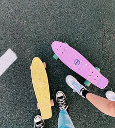 Penny Board Girl, Pastel Penny Board, Penny Boards, Best Friend Photos, Friend Pictures, Penny Skateboard, Artist Aesthetic, Bedroom Wall Collage, Diy Tumblr
