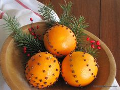 how to make your home smell like christmas, christmas decorations, seasonal holiday decor, You can either arrange the cloves in patterns on your oranges or just place them randomly