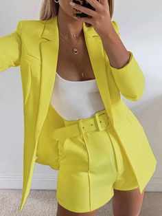 Mode Outfits, Short Outfits, Chic Outfits, Fashion Outfits, Formal Outfits, Look Blazer, Blazer And Shorts, Blazer Suit, Belted Shorts