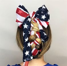 11 Patriotic Looks that Will Steal Any Firework Show - Inspiration - Modern Salon Holiday Hairstyles, Bride Hairstyles, Hair Color Blue, Blue Hair, Brides Maid Hair, Hair Specialist, French Braid Hairstyles, Patriotic Outfit, July Wedding