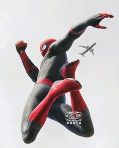 firescorpio_photo Spider-Man Far From Home suit. Spiderman Poses, Spiderman Pictures, Black Spiderman, Spiderman Movie, Spiderman Spider, Amazing Spiderman, Marvel Art, Marvel Avengers, Best Marvel Characters