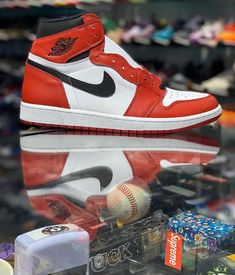 "LARRY DEADSTOCK on Instagram  ""« JORDAN 1 CHICAGO » STRAIGHT FIRE!! 🔥🔥  QUELLE EST VOTRE JORDAN 1 PRÉFÉRÉE    b341a8e3e"