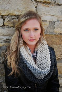 Chunky color block #crochet cowl free pattern from Tangled Happy