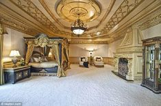 Traditional Master Bedroom - Found on Zillow Digs Dream Master Bedroom, Master Bedroom Design, Home Bedroom, Master Bedrooms, Mansion Bedroom, Mansion Bathrooms, Bedroom Designs, Master Suite, Bedroom Furniture