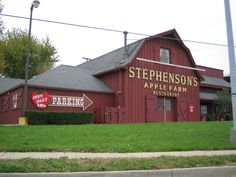 The Stephenson Apple Farm was also President Truman's favorite place to eat. Kansas City, MO I loved it too and was heartsick when it was torn down. Independence Missouri, Kansas City Missouri, Great Places, Places To Go, Farm Restaurant, Corner House, Overland Park, Down South, Outdoor Structures