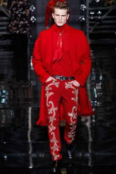 I could care less about tge rest of the look, but those pants beslt and shoes I want. Versace   Fall 2014 Menswear Collection   Milan
