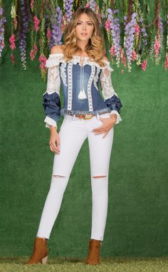 Denim outfits, Love the fringed top 💋 Find this season's must-have designer dresses, jeans, tops, jackets & more from top designer brands!Rock The Spring With Denim And Denim - Fashion Best Way Wearing Denim for Spring - Fashiotopia Denim Fashion, Look Fashion, Fashion Outfits, Womens Fashion, Fashion Design, Casual Outfits, Cute Outfits, Denim Outfits, Diy Vetement