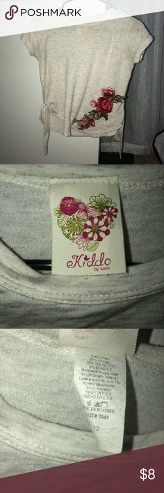 Rose Short sleeve shirt - Kiddo by Katie I rose t-shirt! This can go with basic jeans, and you would look fabulous.This shirt has been used once.Did. It fit me so I decided to sell it.Good conditions.Comment for any questions :) Kiddo Shirts & Tops Tees - Short Sleeve