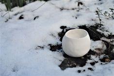 Small porcelain pinch pot with snow. Pinch Pots, Stoneware, Glaze, Porcelain, Snow, Ceramics, Tableware, Enamel, Ceramica