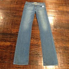 BRAND NEW INDI DENIM DESIGNER JEANS Brand-new with tags. High-quality denim. Straight leg fit. Inseam measures 35 inches. Waist measures 14 inches. Size 4. Indi Denim Jeans Straight Leg