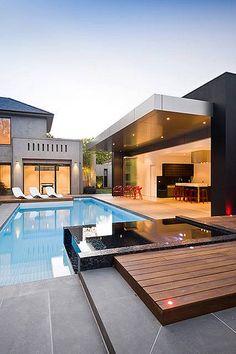 casa con gran piscina