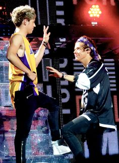 Niall Horan and Harry Styles Grupo One Direction, Four One Direction, One Direction Humor, One Direction Pictures, Niall Und Harry, Harry 1d, Besties, Imprimibles One Direction, Foto One
