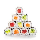 Foto de Comida De Sushi Maki e mais fotos de stock de Sushi - iStock Raw Restaurant, Sushi Maker, Food Poster Design, Sushi Party, Sushi Love, Tuna Avocado, Japanese Lunch, Graphic Design Layouts, Sushi Rolls