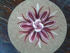 Quilling by Branka Miletić! Quilling Paper Craft, Quilling Flowers, Quilling Cards, Paper Quilling, Paper Crafts, Quilled Creations, Quilling Tutorial, Paper Wall Art, Paper Magic